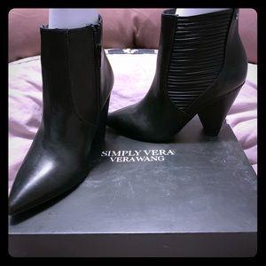 Simply Vera booties in black. Size 6.5. Orig $80